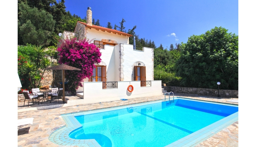 DC-523 High Quality Gavalohori Villa with Private Pool €265,000