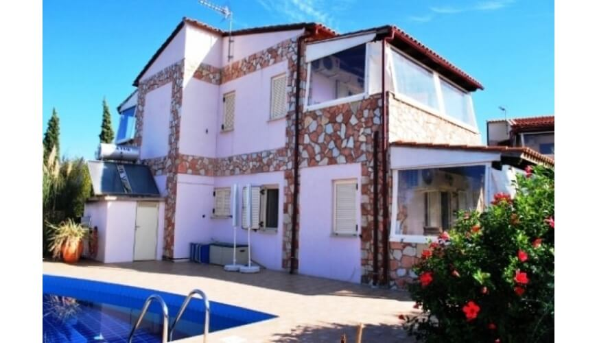 DC-528 3 Bedroom Villa and Pool in Vamos €230,000
