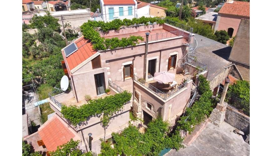 DC-587 Renovated Venetian stone villa in Vafes Just €340,000