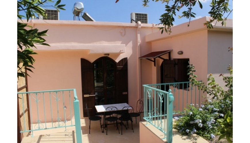 DC-580 Renovated Rental Villas Nero Hori €179,000