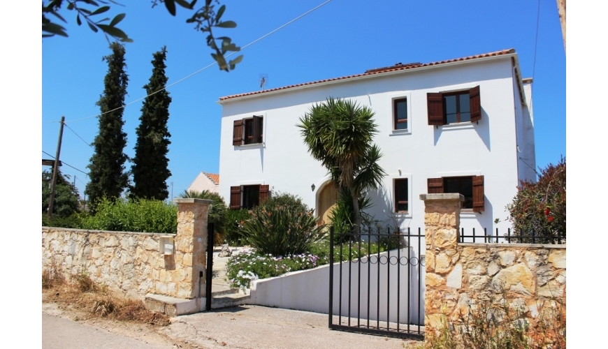DC-595 Large 3 Bed Villa in Plaka €395,000
