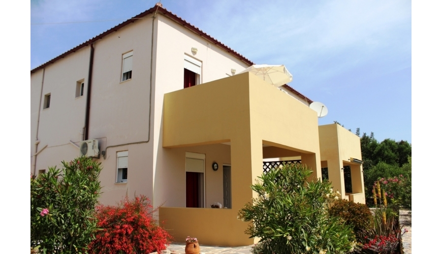 DC-613 2 Bed. Townhouse with Shared Pool Plaka €125,000