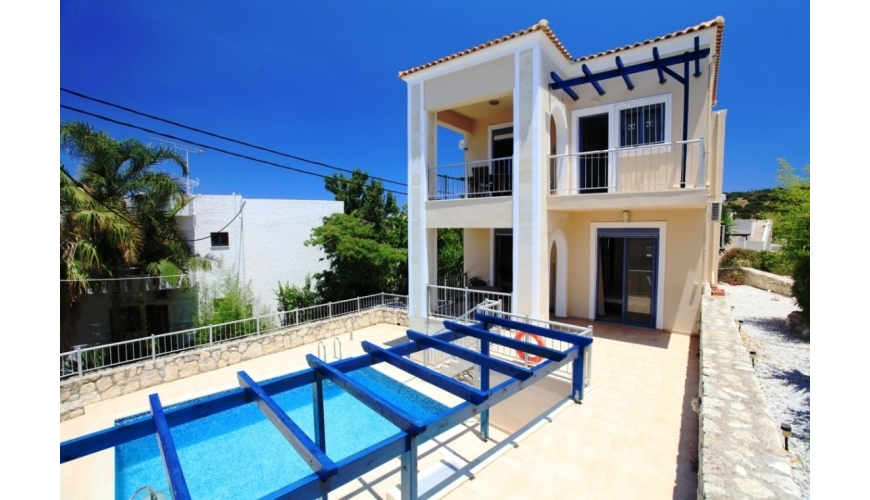 DC-654 3 Bed Villa and Pool in Plaka €280,000