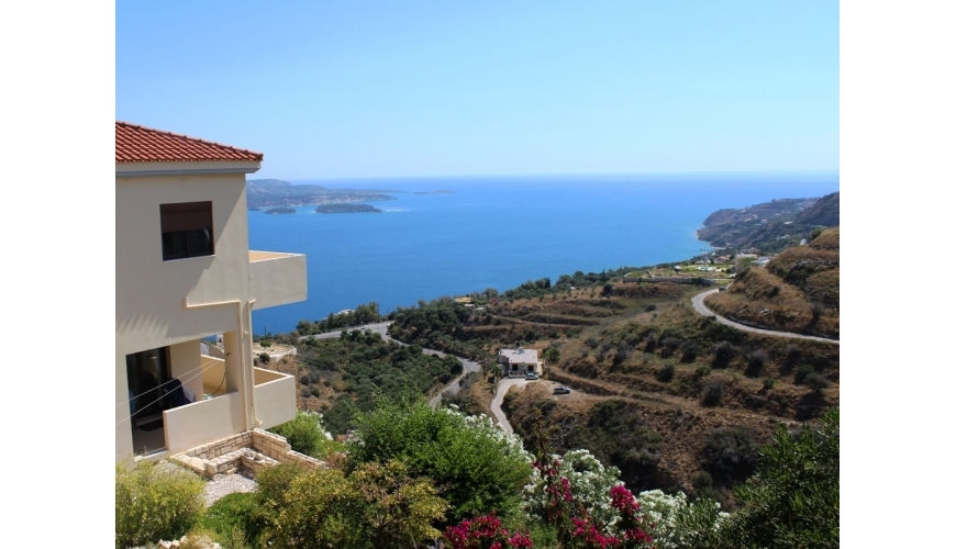 DC-687 Luxury 4 Bed Villa in Megala Chorafia €380,000