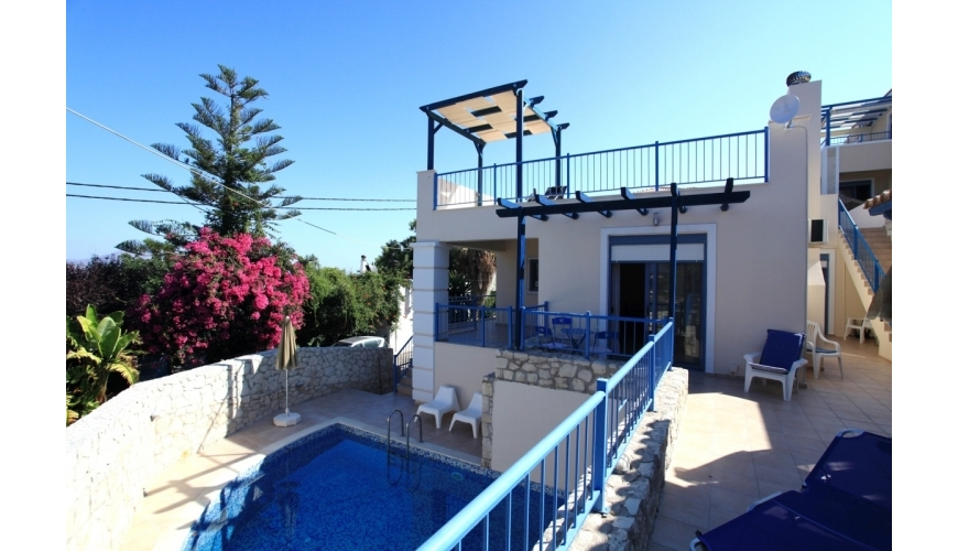 DC-694 3 Bed Villa and Pool in Plaka €325,000