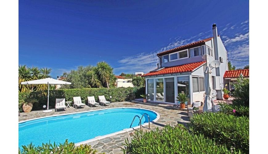 DC-695 - Villa and Private Pool in Gavalohori - €240,000