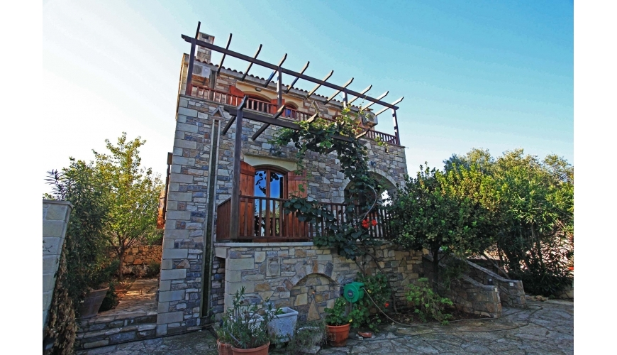 DC-696 - Traditional-Stone-Villa-in-Vamos-€170000