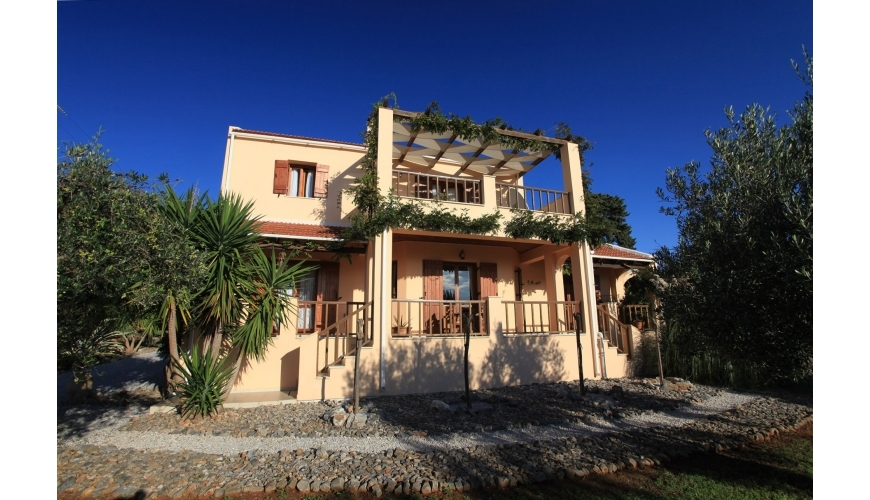 DC-697 3 Bed Villa and Pool in Kefalas €410,000