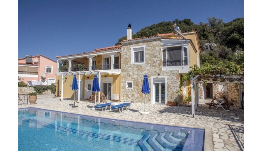 DC-804 Marvellous 5 Bed Villa and Pool in Tsivaras €350000