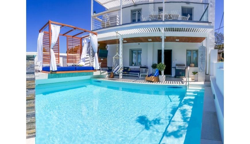DC-719 Luxury Rental Villa in Vamos €395,000