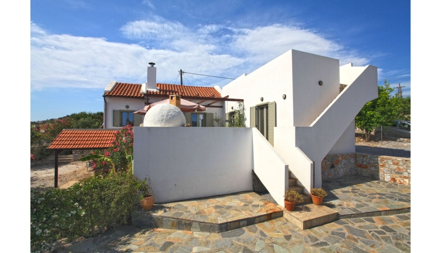 DC-729 3 Bed Villa  with sea views in Kefalas €210,000
