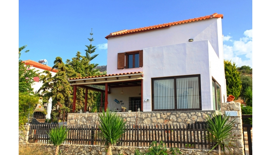 DC-753 Villa with Private Pool and Sea View in Plaka €290,000