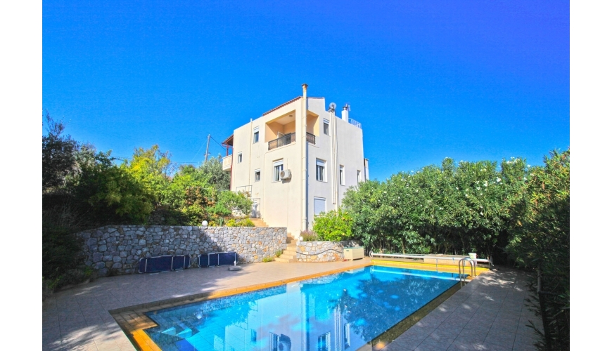 DC-755 Large 4 Bed villa with Private Pool in Xirosterni €475,000