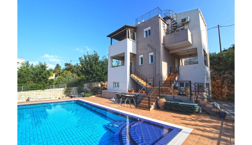 DC-757 Large 3 Bed Villa and Pool in Kambia €315,000