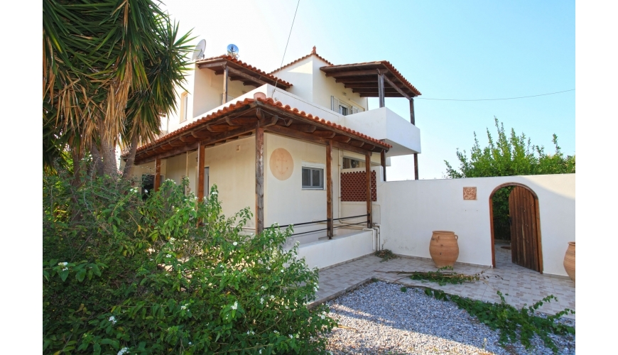 DC-762 Large 3 Bed Villa and Private Pool in Plaka €299,000