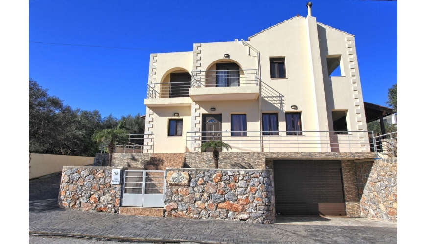 DC-766 Stunning Villa near Almyrida Beach €399,000