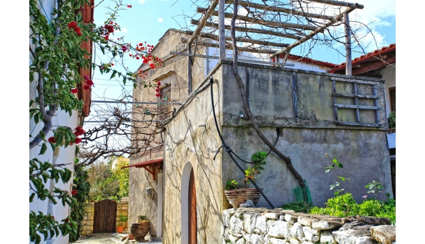 DC-773 Beautiful Renovation in Douliana €250,000