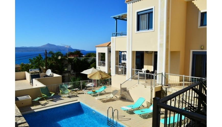 DC-776 5 Bed Villa with Private Pool in Plaka €380,000