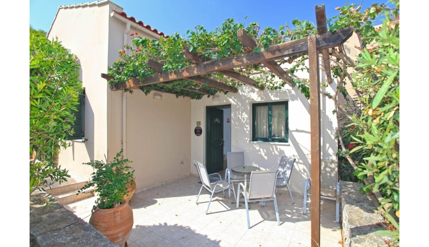 DC-787 3 Bed Villa with Shared Pool in Souri - €155,000