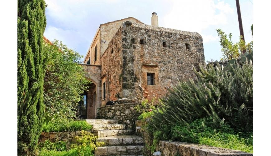 DC-794 Renovated Stone House in Vamos €240,000