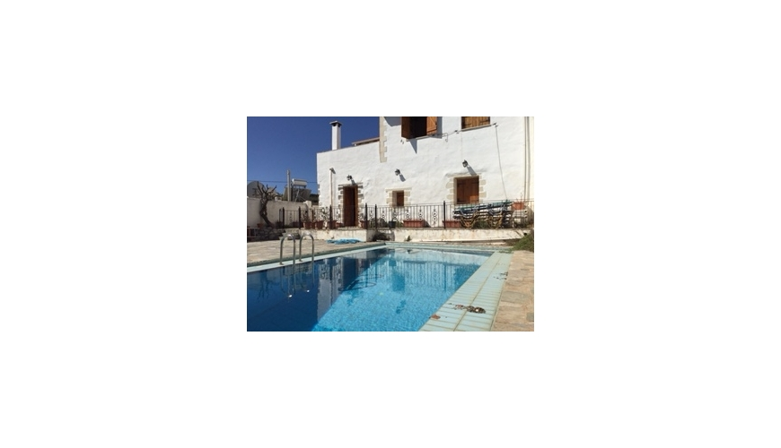 DC-851 3 Bed Renovated Traditional Villa and Private Pool in Plaka €265,000