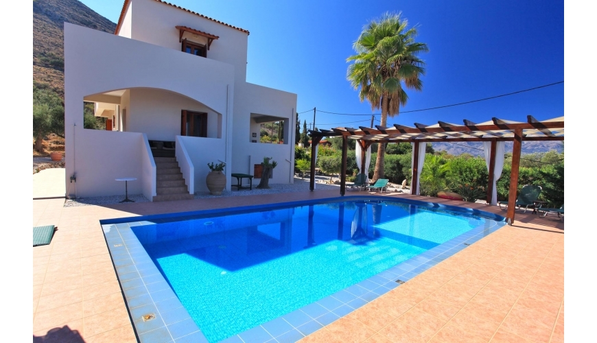 DC-922 5 Bed Villa and Pool in Kokkino Chorio €479,000