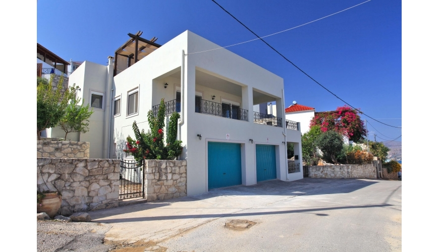 DC-929 Luxury 3 Bed Villa in Plaka with Sea Views €425,000