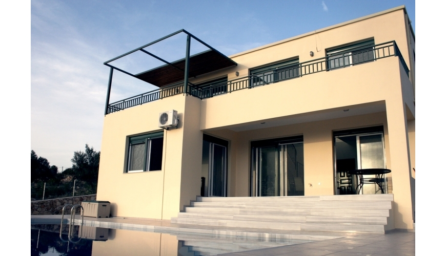 DC-014 Exclusive 4 Bed Villa €395,000