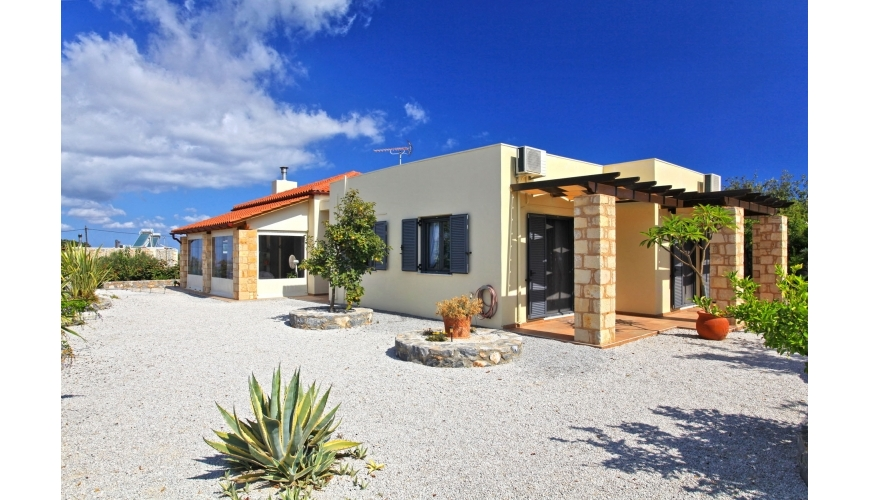 DC-480  4 bed Luxury Villa Kefalas - €329,500